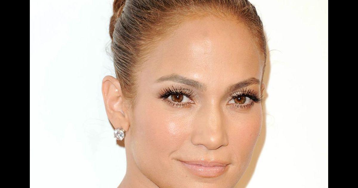 Maquillage nude : comment suivre la tendance beauté des