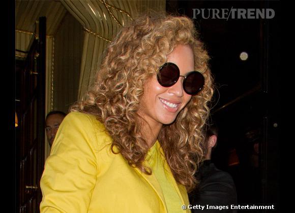 9d55ce3d50faeb Wanted ! Les lunettes de soleil rondes XXL The Row par Linda Farrow ...