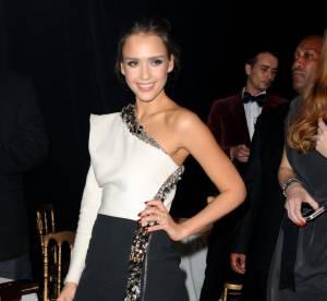 Jessica Alba vs Lily Donaldson : la robe asymétrique Lanvin