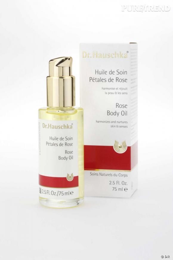 L'huile essentielle de rose et l'huile de jojoba sont réunies dans un soin équilibrant qui assouplit la peau et égaye le teint. Sans compter son agréable parfum.    Huile de Soin Pétales de rose du Dr Hauschka, 20,20  €