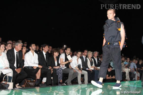 Belle brochette d'hommes au front row du défilé Louis Vuitton Homme Printemps-Eté 2013