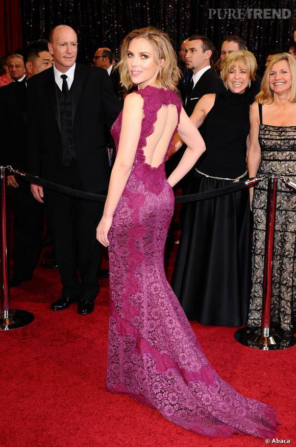 """David Fincher a très recemment confié dans une interview que Scarlett Johansson était trop sexy pour jouer dans le film """"Dragon Tattoo"""". Par ailleurs l'actrice avoue qu'elle regrette de bien souvent perdre des rôles importants de cette manière. Même celui de """"The Avengers"""" a failli lui passer sous le nez !"""