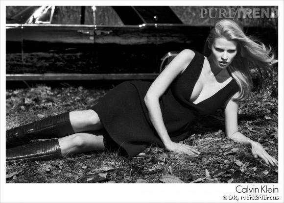 Lara Stone pour Calvin Klein Collection, Automne-Hiver 2012/2013.
