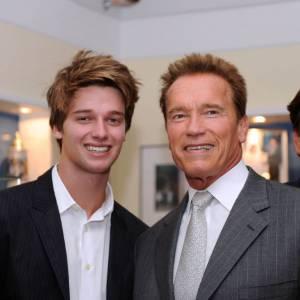 """Marchant sur les pas de son père, Patrick Schwarzenegger se lance dans le cinéma avec le film """"Grown Ups 2""""."""