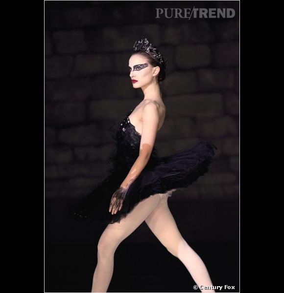 """Natalie Portman dans """"Black Swan"""", dans une création de la marque."""