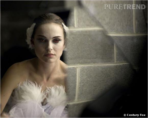 "Natalie Portman dans ""Black Swan"", la fameuse robe blanche."