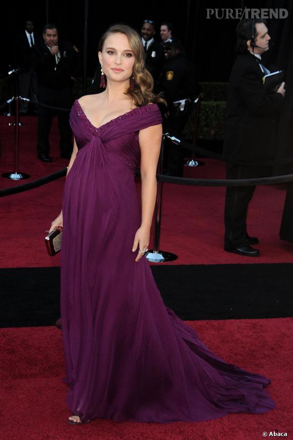 """Natalie Portman aux Oscars remporte le titre de """"meilleure actrice"""" pour """"Black Swan""""... et de meilleure robe de la soirée !"""