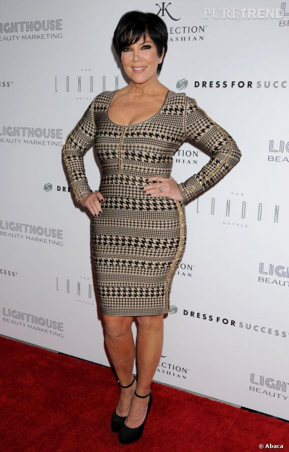 Tant pis si les minirobes sont réservées aux starlettes, Kris Jenner en veut une aussi !