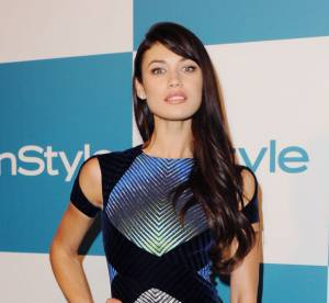 Olga Kurylenko VS le podium : la robe velours Peter Pilotto