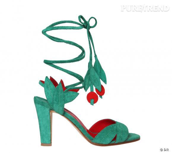 """Exposition """"Manolo Blahnik, 40 ans de glamour"""", du 20 septembre au 20 octobre 2012 au Printemps.  Escarpin """"Ossie"""""""