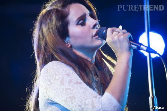 """Après un teasing de son album attendu pour novembre, Lana Del Rey dévoile un nouveau single """"Ride""""."""