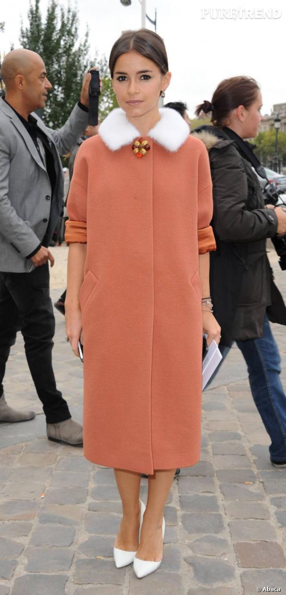 La modeuse Miroslava Duma assiste au défilé Louis Vuitton.