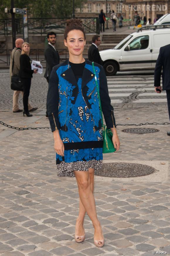 Berenice Bejo, un look très audacieux chez Louis Vuitton.