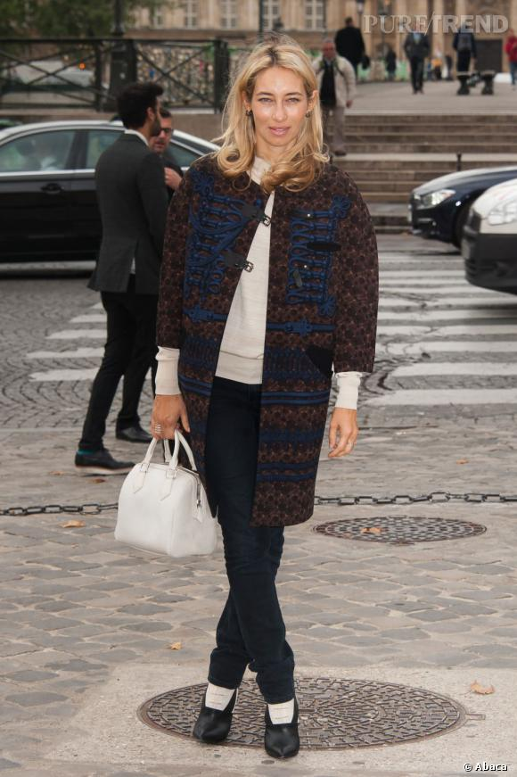 Alexandra Golovanoff prend la pose avec un manteau pré-collection Automne-Hiver 2012/2013.