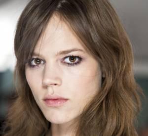 """Les secrets de beauté des stars : Nom : Freja Beha Erichsen Profession : Top Model  Son secret: """"Je me nettoie le visage matin et soir avec la lotion micellaire Créaline Bioderma."""""""