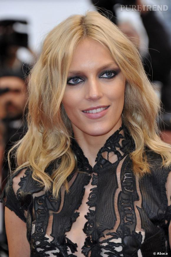 """Les secrets de beauté des stars :       Nom :   Anja Rubik     Profession :     Top model          Son secret:    """"Je dors beaucoup et ne fume pas. Mon truc en plus ? Les soirs où je fais trop la fête, je me gomme le visage avant de me coucher, ça évite le teint brouillé le lendemain..."""""""
