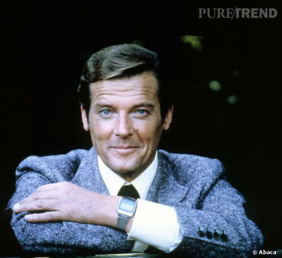 Brushing impeccable et sourire enjoleur, Roger Moore a tout du dandy dans le costume de l'agent 007.