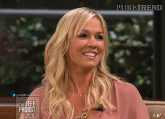 """La jeune divorcée Jennie Garth parle de son nouveau célibat sur le plateau de l'émission """"The Jeff Probst Show""""."""