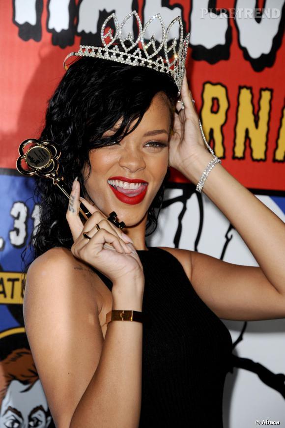 Rihanna met du temps à se remettre officiellement avec Chris Brown. La mère du rappeur a donc décidé de prendre les choses en main !