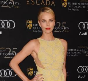 Charlize Theron vs Jessica Chastain : la robe en dentelle jaune Stella McCartney