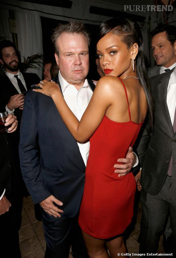 "Rihanna prend la pose avec Eric Stonestreet de ""Modern Family""."