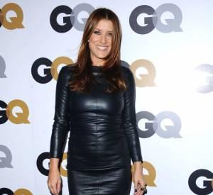 Kate Walsh se moule dans une robe en cuir.