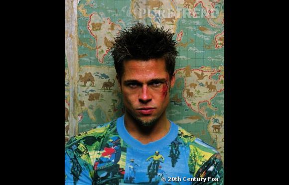 """Dans """"Fight Club"""", Brad Pitt est au sommet de son sex-appeal, la coupe ébouriffée sentant bon les 90s."""