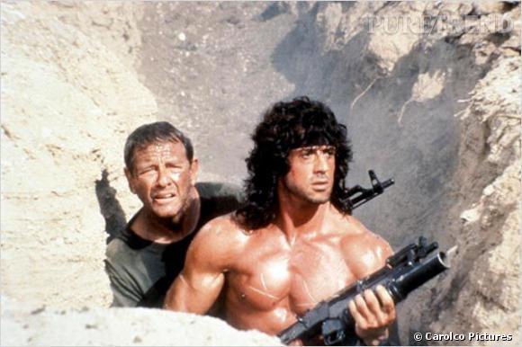 """Rôle culte de Sylvester Stalone, """"Rambo"""", c'est une coupe mulet et bouclée bardée d'un bandana collé sur le front."""