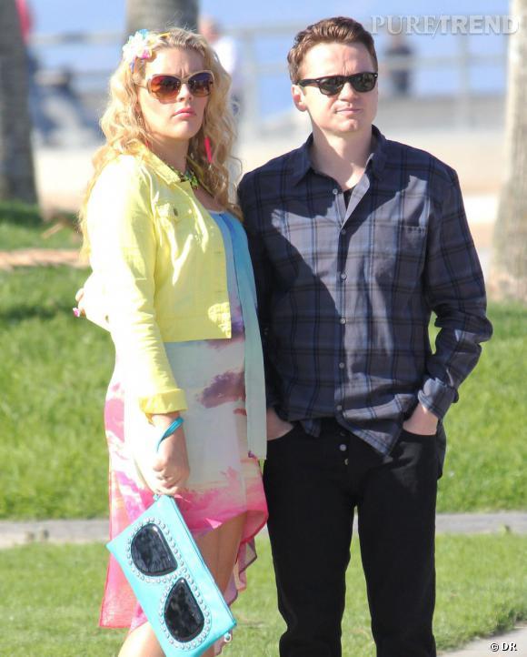 """La série  : """"Cougar Town"""".   Comment Busy Philipps, qui vient de confirmer sa grossesse va-t-elle assumer sa grossesse dans """"Cougar Town"""" ? Son personnage va-t-il avoir un enfant ou allons-nous utiliser (encore) la technique du sac ? Réponse bientôt."""