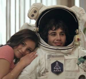 Enfin, Neil Patrick Harris essaie de reconquérir une fille alors que celle-ci n'a d'yeux que pour un astronaute.