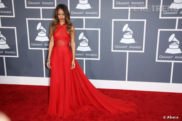 Rihanna aux Grammy Awards 2013, la reine du red carpet.