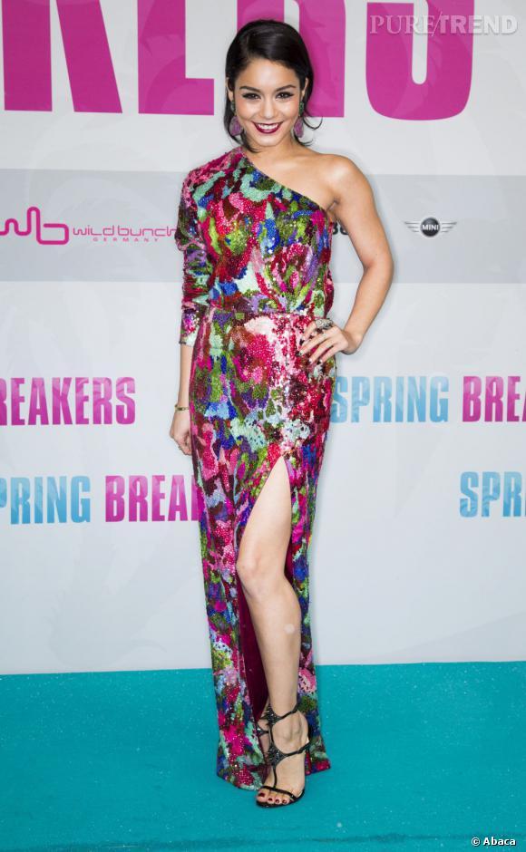 """Vanessa Hudgens à l'avant-première de """"Spring Breakers"""" à Madrid... trop colorée ?"""