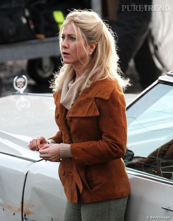 Jennifer Aniston ne semble pas vouloir être très sociable sur le tournage du projet Elmore Leonard.