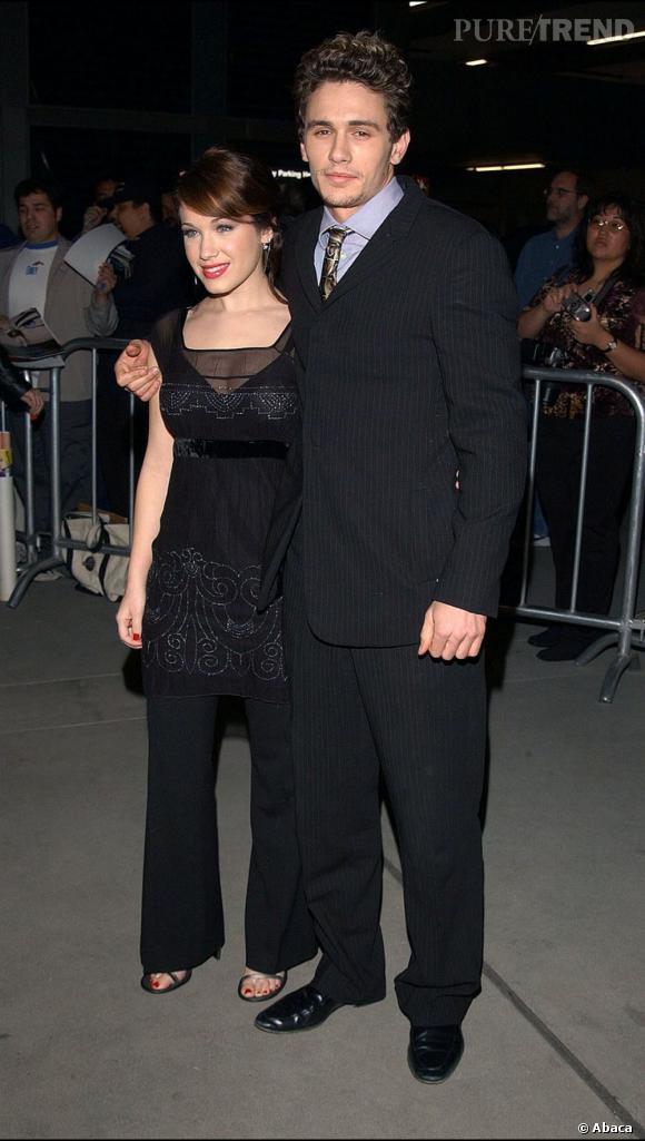 """Le flop premier red carpet  : avec sa crinière façon """"j'ai mis les doigts dans la prise"""" et son costume ringard, James Franco est loin de son image de sex-symbol actuel."""