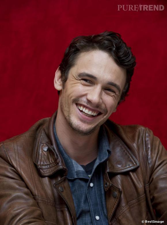 Le top sourire  : avec ses fossettes, ses rides d'expression au niveau des yeux et son sourire franc, il nous rend toute chose.