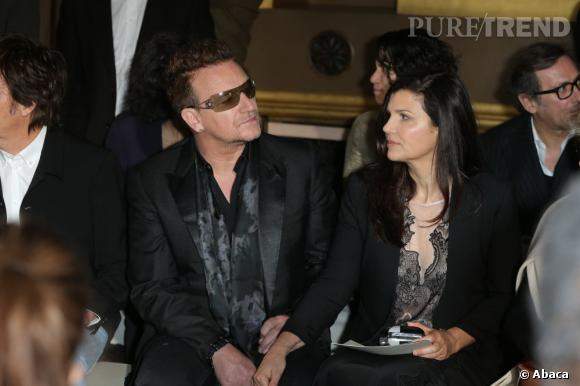 Bono et sa femme Ali Hewson au premier rang du défilé Stella McCartney en mars dernier pour la Fashion Week de Paris.