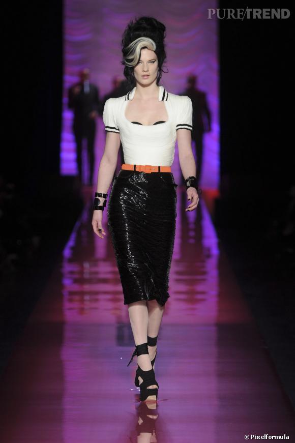 Collection Haute-Couture Printemps-Été 2012, hommage à Amy Winehouse.