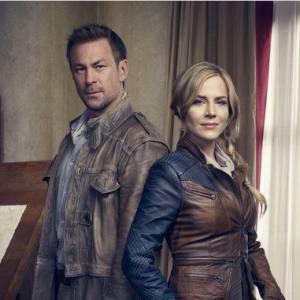 Nolan et Amanda, les deux héros de cette nouvelle série de science-fiction.