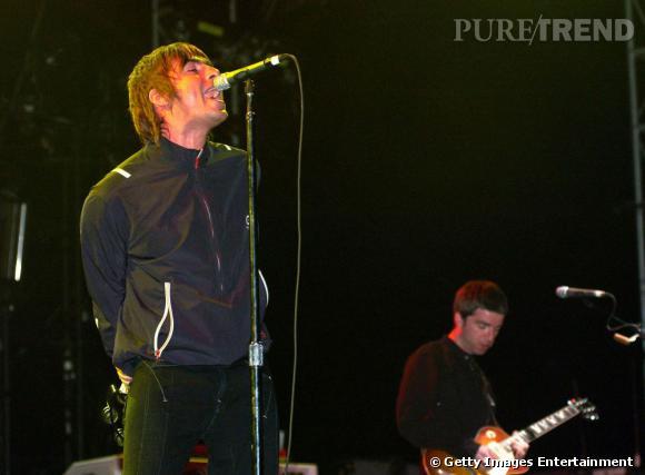 Oasis plutôt calmes lors de leur passage à Coachella en 2002.