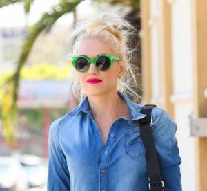 Gwen Stefani : combinaison denim pour une sortie bowling flashy... A shopper !