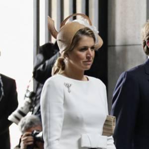 La reine Maxima des Pays Bas est aussi adepte de chapeaux que Kate Middleton.