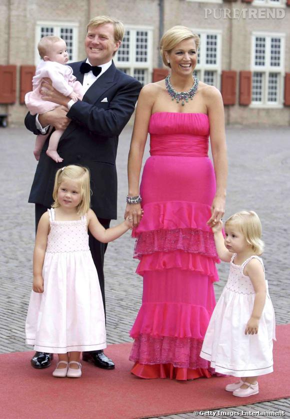 La reine Maxima des Pays Bas n'a pas peur du fuchsia.