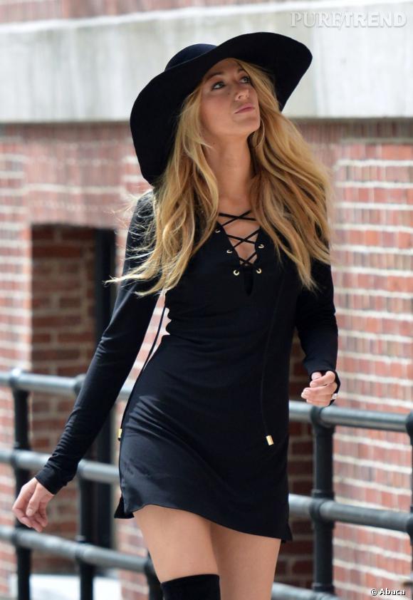 """Blake Lively en plein shooting photo devant l'objectif du photographe de mode français Patrick Demarchelier pour """"Lucky Magazine"""", à New York, le 7 mai 2013."""
