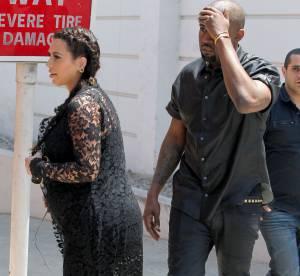 Kanye West se prend un poteau dans la figure en pleine rue !
