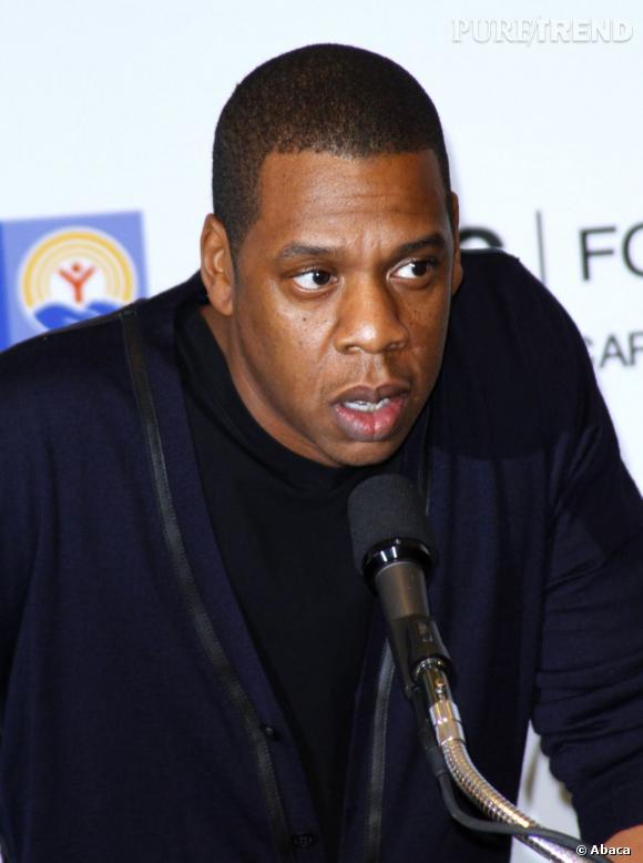 Jay-Z a démenti officiellement la rumeur selon laquelle sa femme Beyoncé serait enceinte.