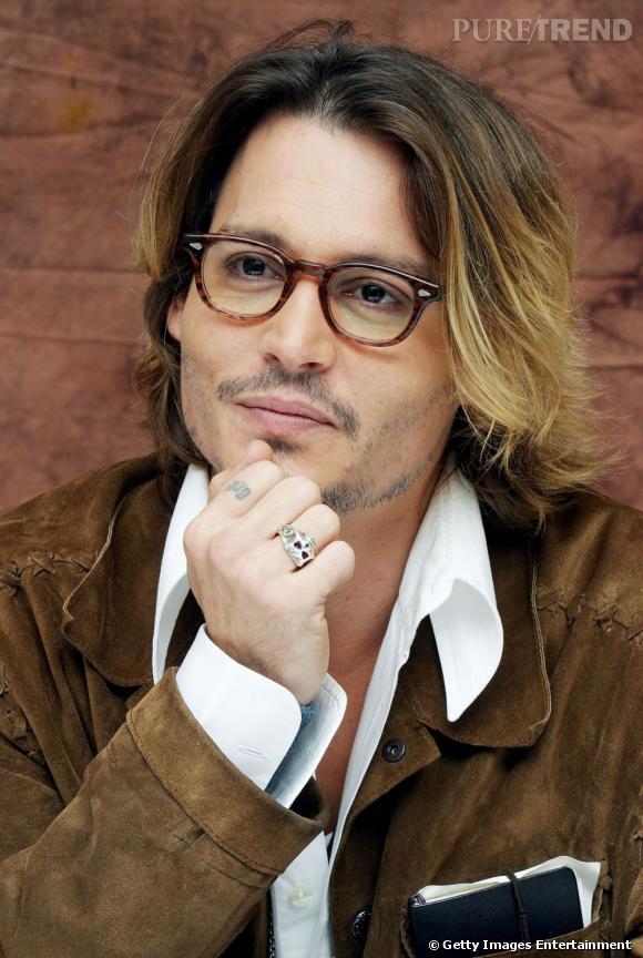 Johnny Depp, précurseur du ombré hair en 2003 ? Mais force est de constater que ça lui va à la perfection !