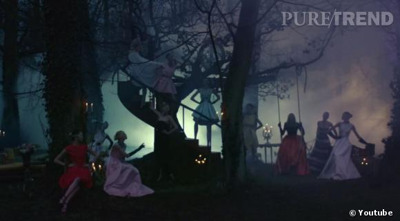 """La forêt mystique de Christian Dior par Inez et Vinoodh pour """"Secret Garden 2""""."""