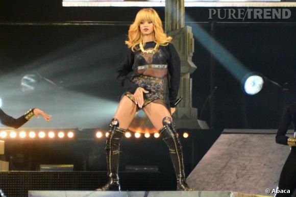 Rihanna est toujours sulfureuse sur scène.