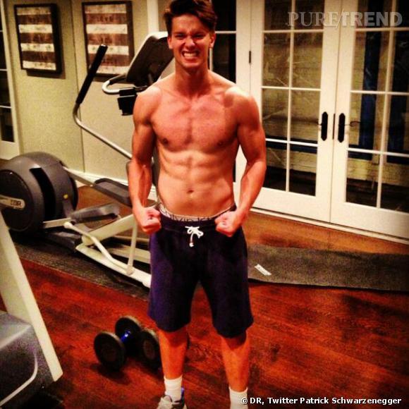 Patrick Schwarzenegger a posté une photo de lui torse nu et tous muscles dehors, le 7 juin 2013. Marcherait-il sur les traces de son père ?