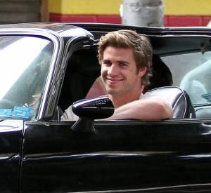 """Empire State"", le trailer avec Liam Hemsworth et Emma Roberts."